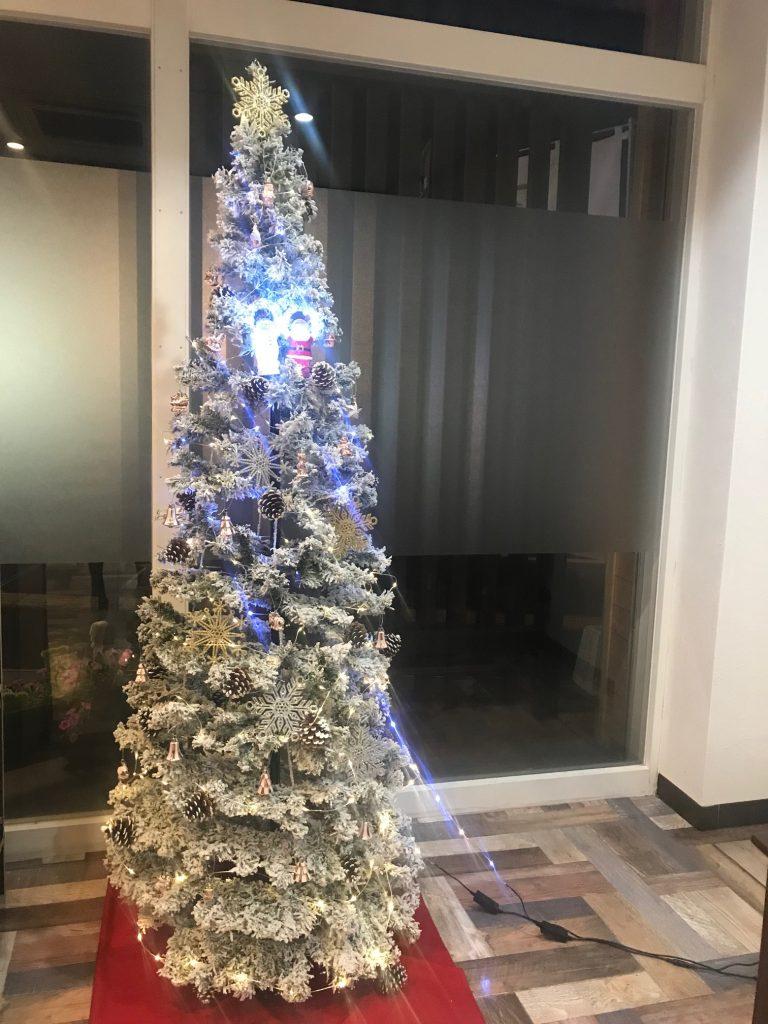 クリスマス飾りつけ!